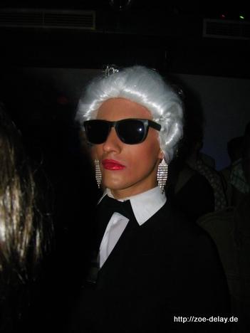 Karla Gerfeld, Modeschöpferin im Irrenhouse