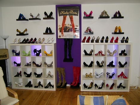 high heels schuhschr nke. Black Bedroom Furniture Sets. Home Design Ideas