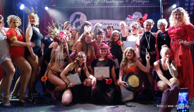 Poledance & Burlesque Graduation Night